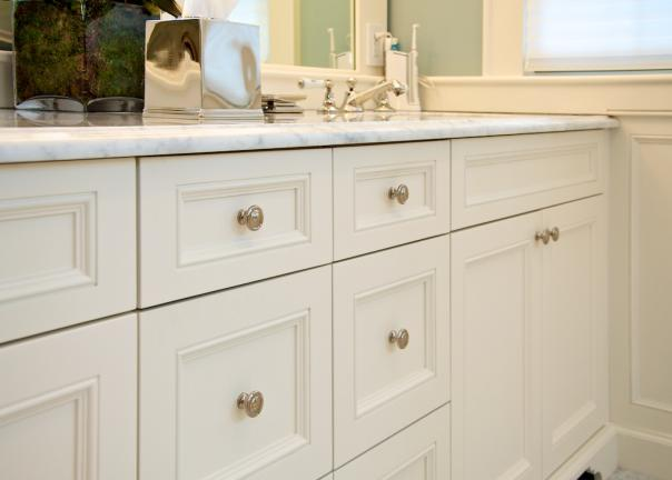 Traditional Bathroom Vanity